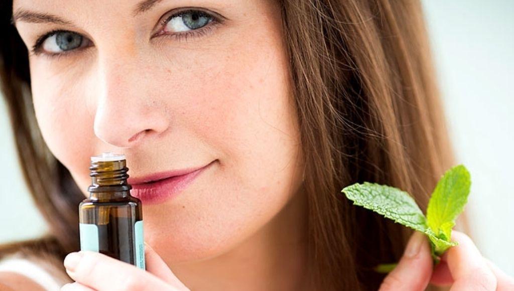 Aceite de hierba luisa en la aromaterapia