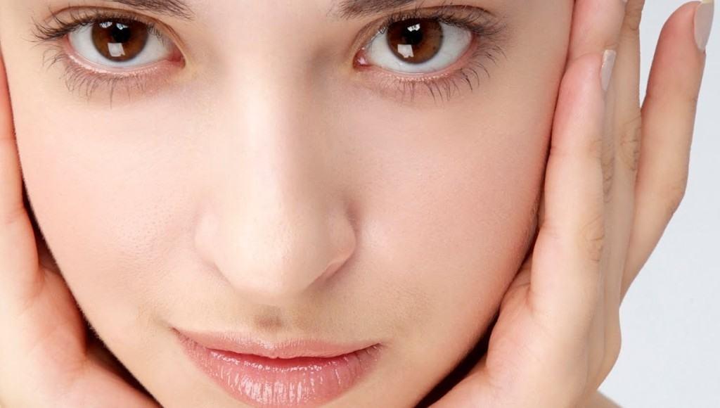 ¿Cuáles son los usos cosméticos de la verbena y beneficios para la piel?