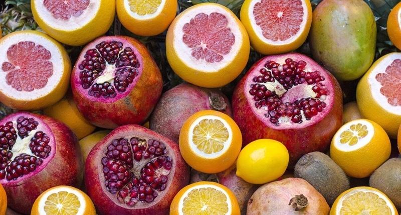 Pomelo y otras frutas para desintoxicar el hígado.