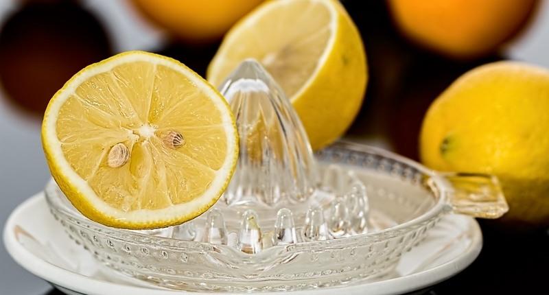 Hacer zumo de frutas naturales