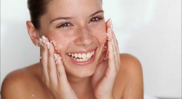 11 mejores exfoliantes faciales