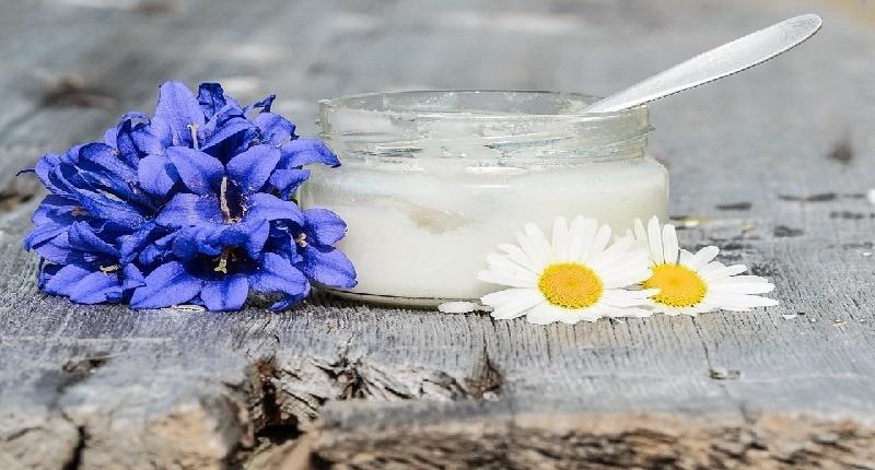 usar Aceite de Coco para pieles con poros obstruidos