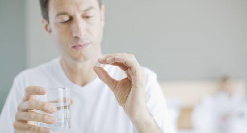 dosis recomendada de isotretinoina