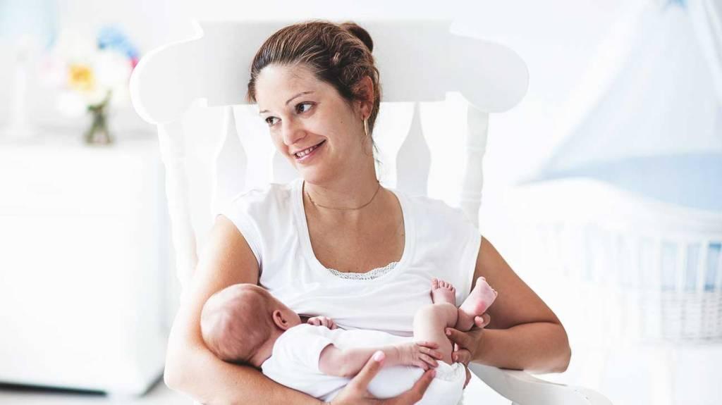 Durante la lactancia se tiene acné comedónico ¿por qué?