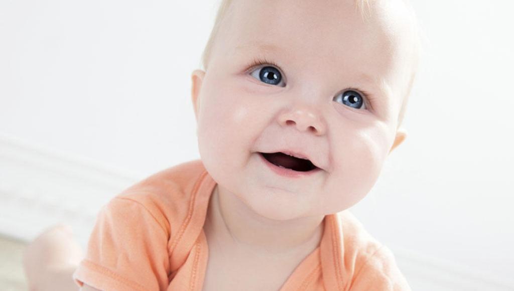 Los bebés pueden sufrir acné severo, ¿por qué?