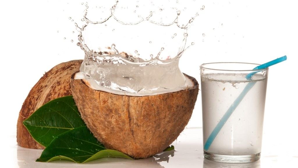 bajar de peso con frutas y agua