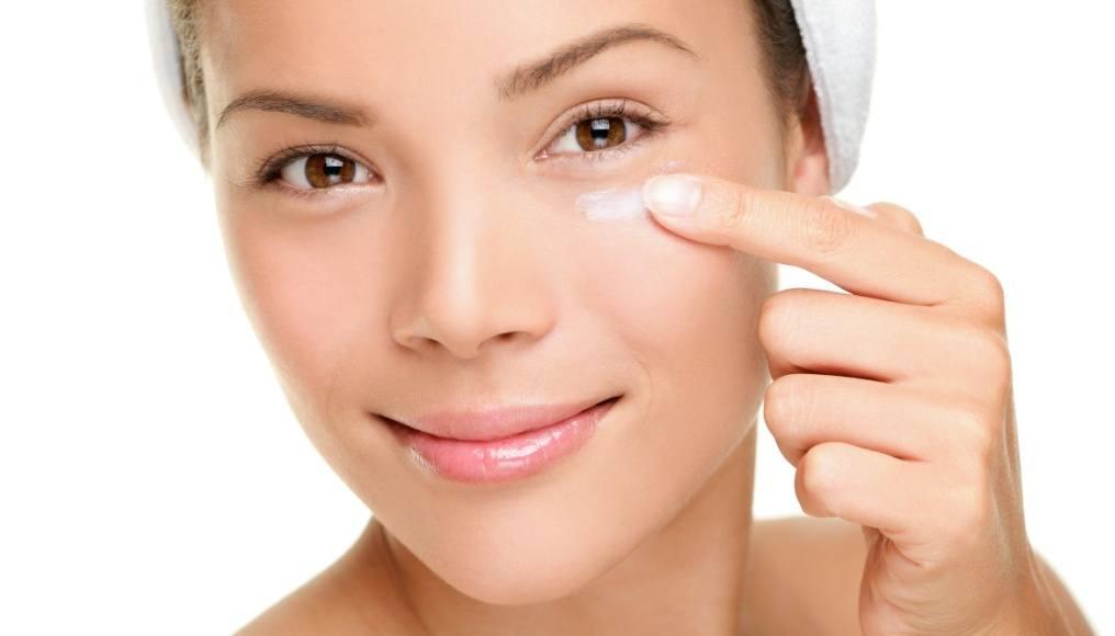 Usos cosmeticos del aceite de jazmin