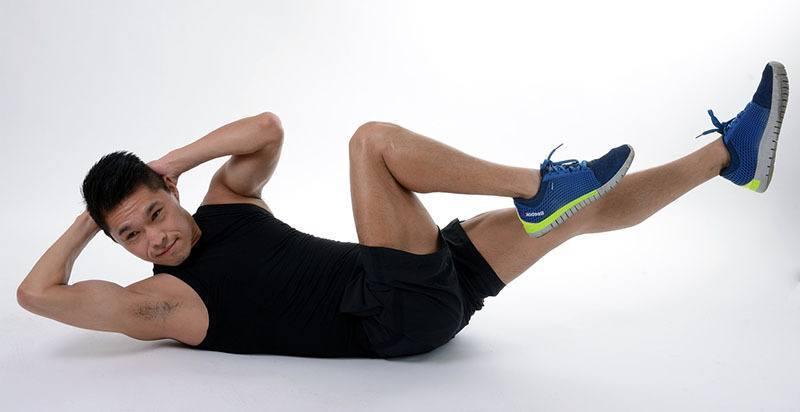 Ejercicios perder barriga: abdominales en cruz