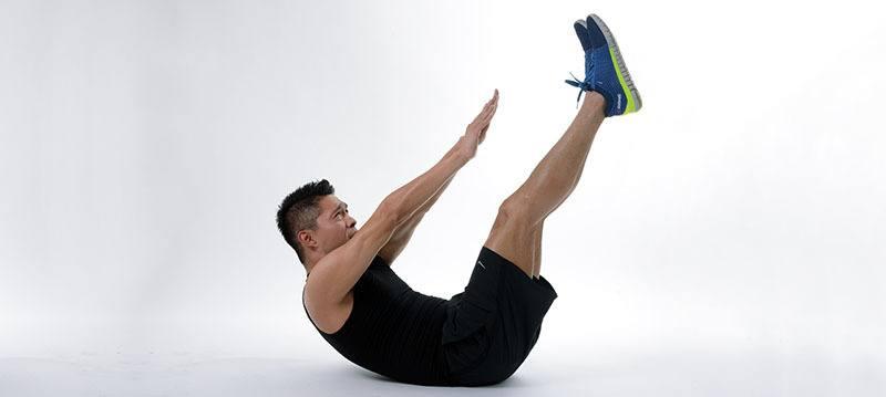 Ejercicios perder barriga: Elevación de piernas y tronco