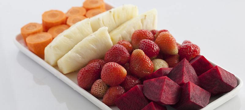 Ingredientes de zumo de remolacha con zanahoria