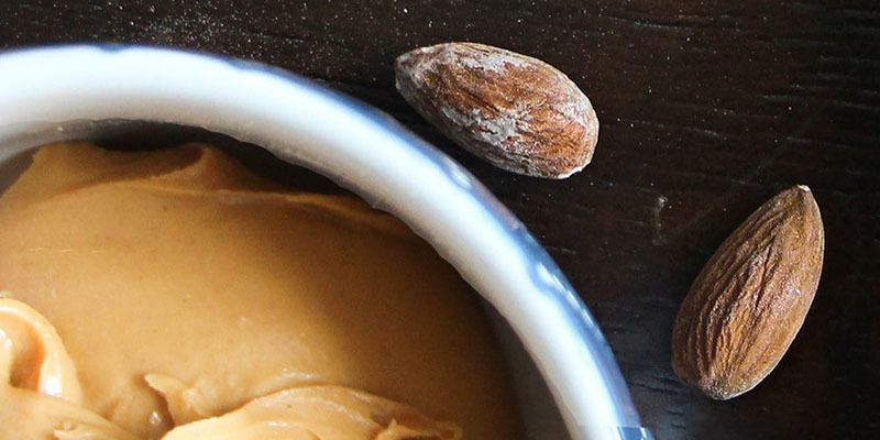 Mascarilla de miel con aceite de almendras dulce