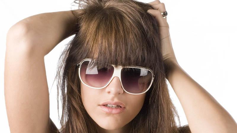 Reforzador decoloración para cabello moreno