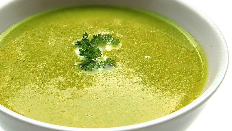 Sopa de lino con calabaza y espinacas