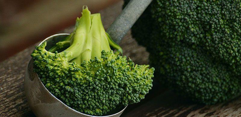 Hojas verdes: brócoli