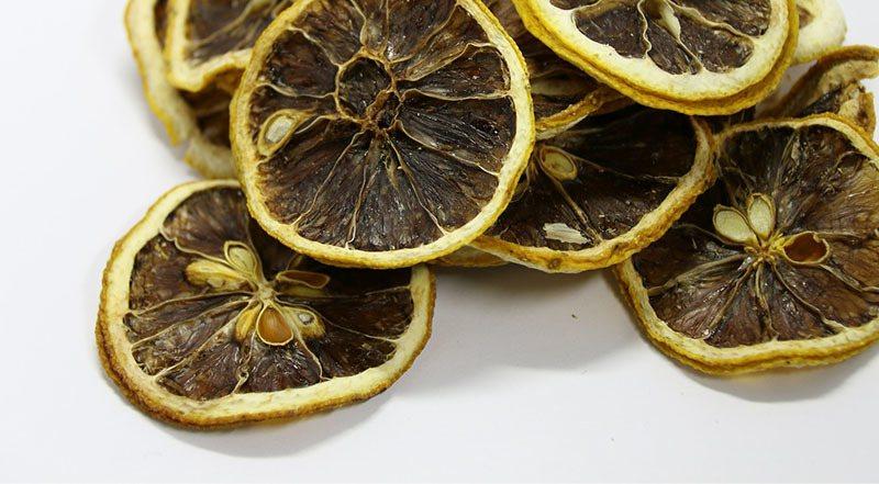 ¿El limón es malo para el estómago?