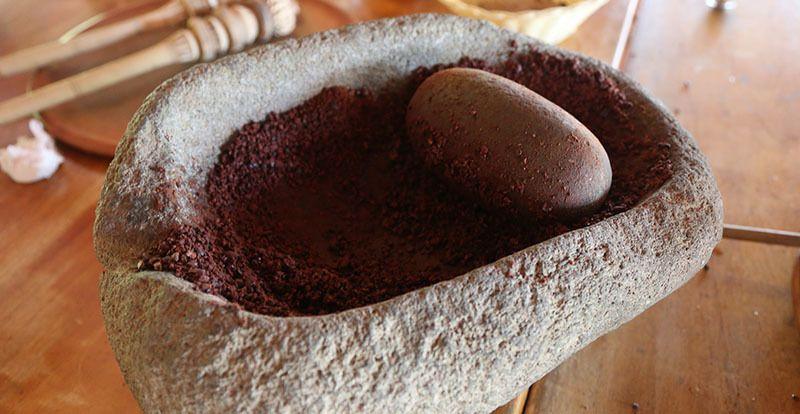 polvo de cacao al molerlo