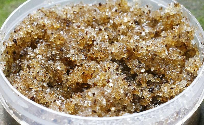 Receta casera de exfoliante de Aceite de oliva virgen extra y azúcar moreno
