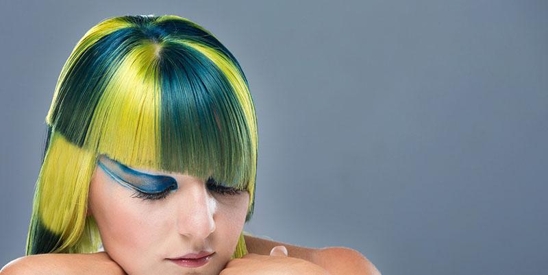 Tinte asimétrico bicolor amarillo y azul verdoso