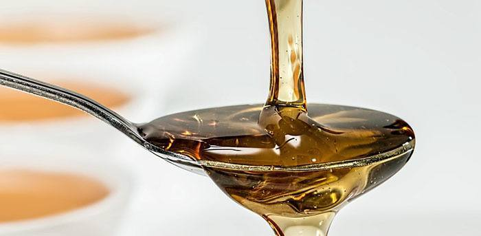 Tratamiento natural de miel para el acné