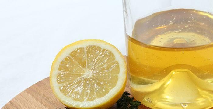 Tratamiento natural contra las manchas de acné con mil y limón