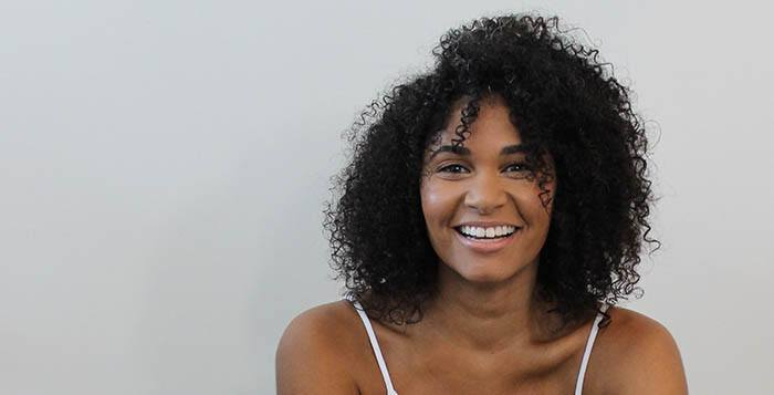 13 Consejos De Cómo Cuidar El Cabello Rizado Y Afro