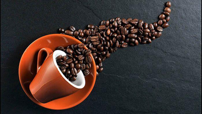 Café y bebidas estimulantes para insomnio