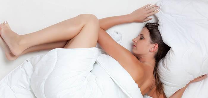 Dormir en la cama cuidado con el pelo