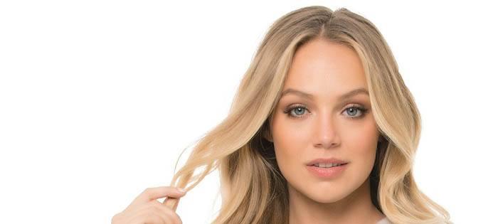 Tratamiento de brillo en cabellos rubios