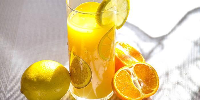 Zumo de naranja natural con más vitamina C