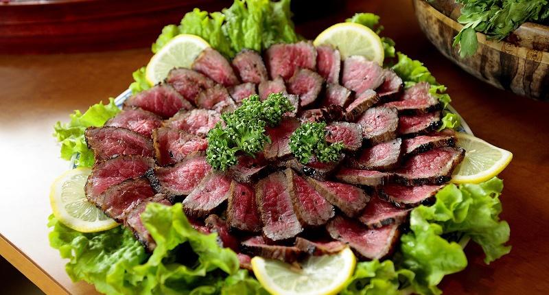 Carne de res con brocoli conteniente de vitamina K