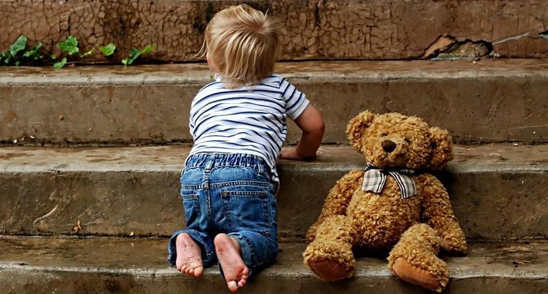 Importancia de ayudar a gatear a tu bebé