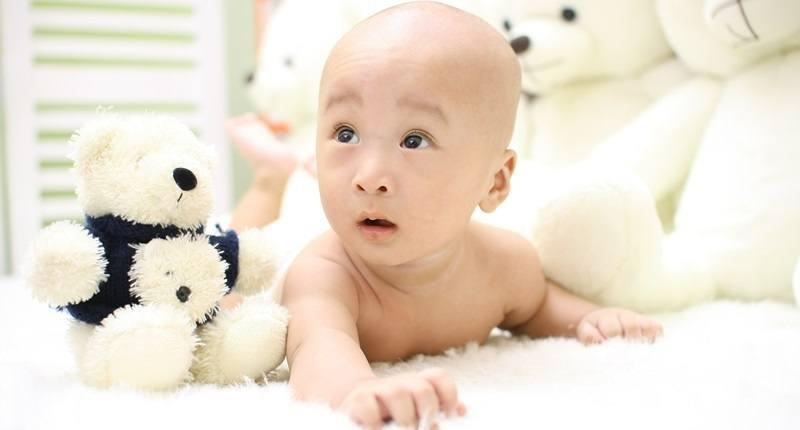 ayuda a tu bebé a gatear