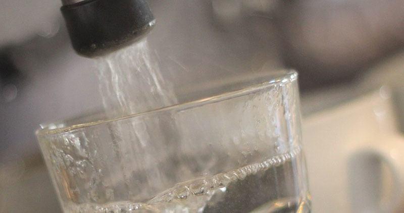 agua alcalinizada grifo