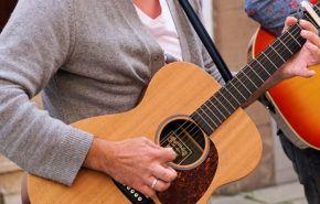 Síndrome del Túnel cubital en Guitarristas: Causas, Tratamientos y Prevención