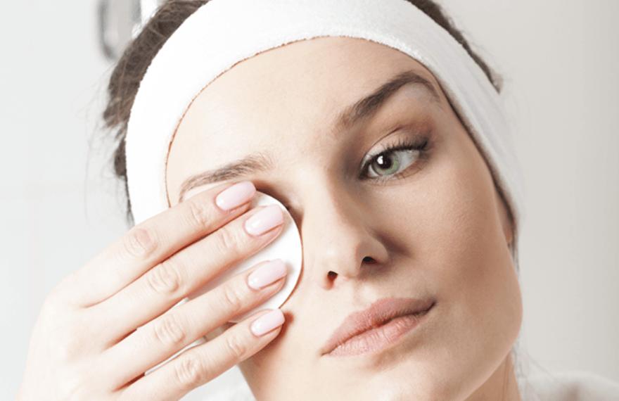 elimina maquillaje ojos