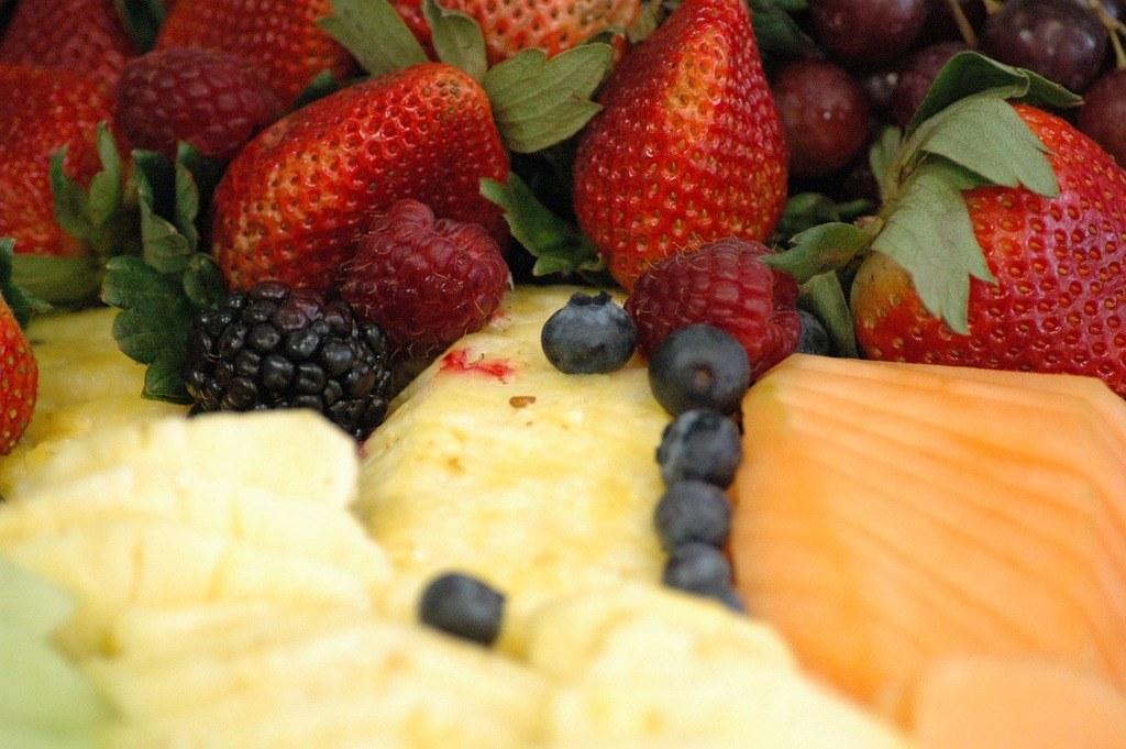 VALOR NUTRICIONAL APORTADO POR LA DIETA DE LA PIÑA