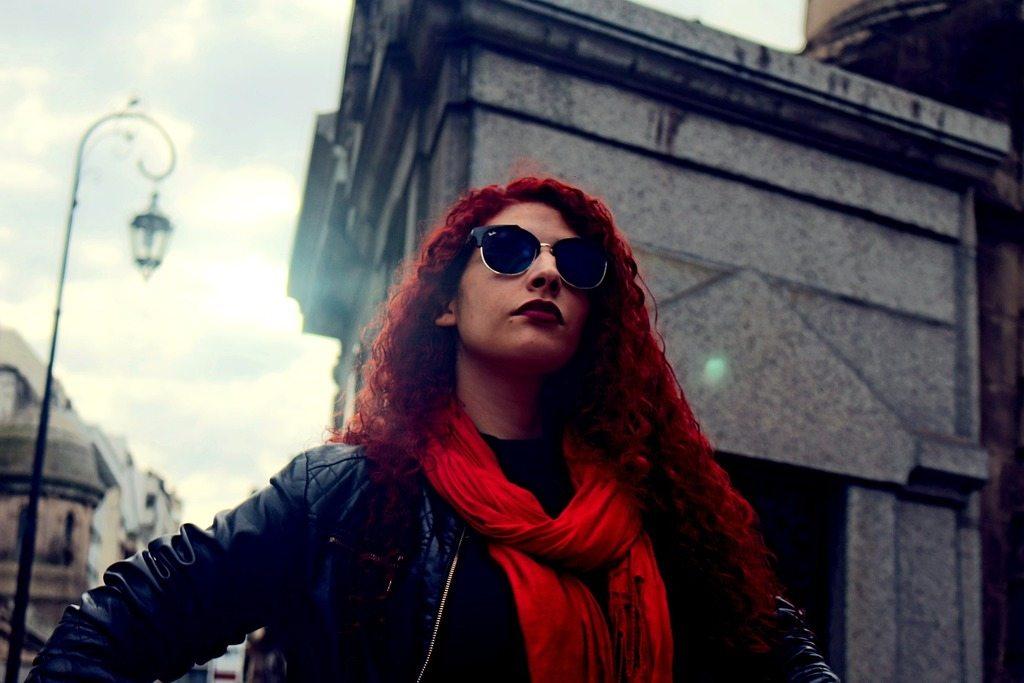 pelo color cobre o rojo