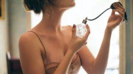 Cómo usar la pirámide olfativa para elegir un perfume